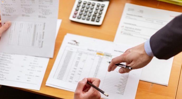 Kako podjetje odstopi terjatve faktorju?